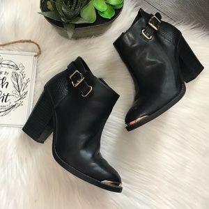 Rock & Republic Black Ankle Boots Sz 7 M